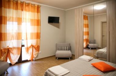 camera-arancio